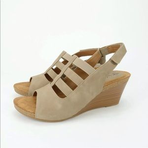 Euro Soft by Sofft Verta Taupe Faux Leather Sandal